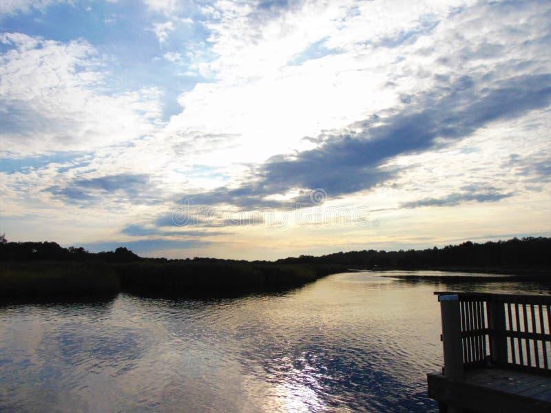Après-midi sur la rivière photographie stock libre de droits