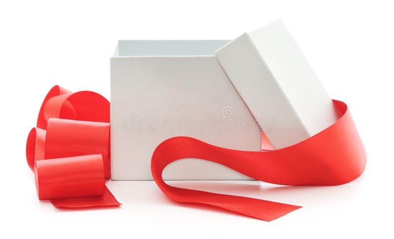 Apra il contenitore di regalo fotografie stock libere da diritti