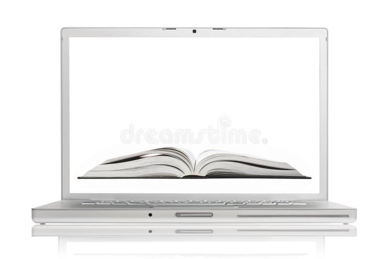Apra il libro sullo schermo del computer portatile di alluminio di qualità superiore immagini stock libere da diritti