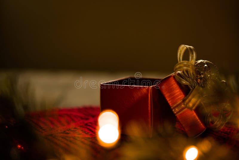 Apra il regalo di natale fotografia stock libera da diritti