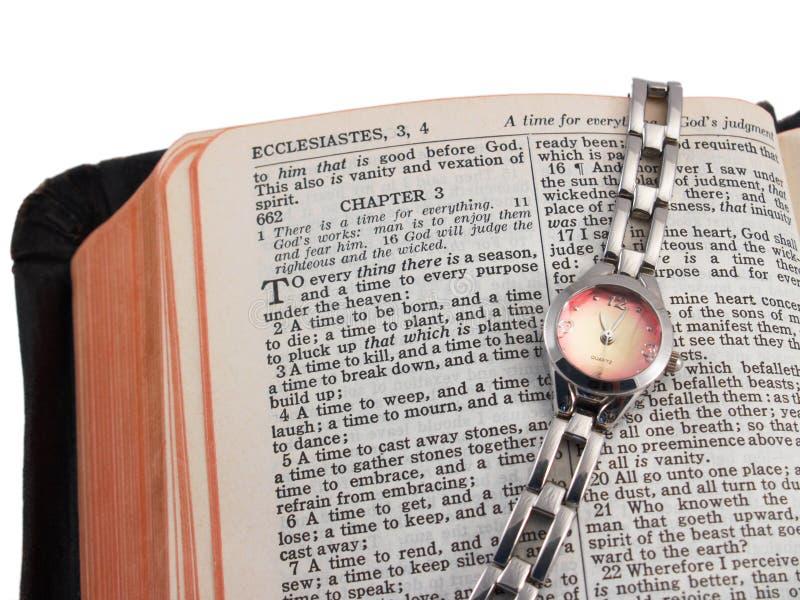 Apra la bibbia e la vigilanza, argento immagine stock libera da diritti