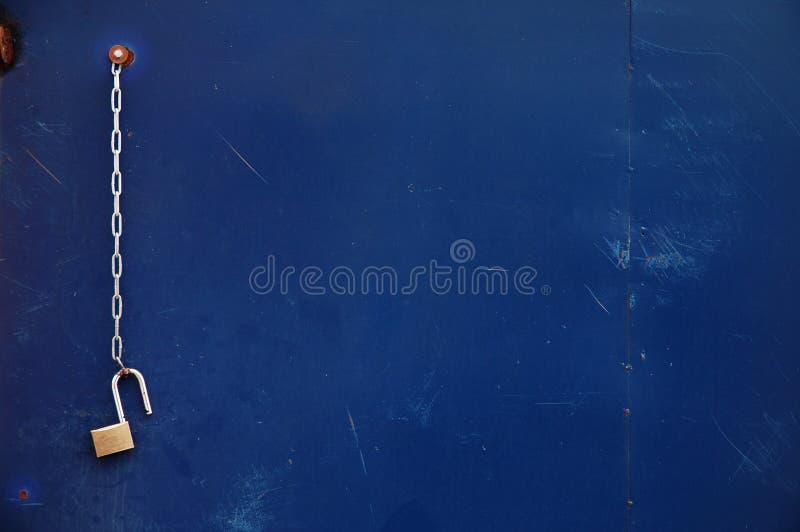 Apra la serratura concatenata fotografie stock