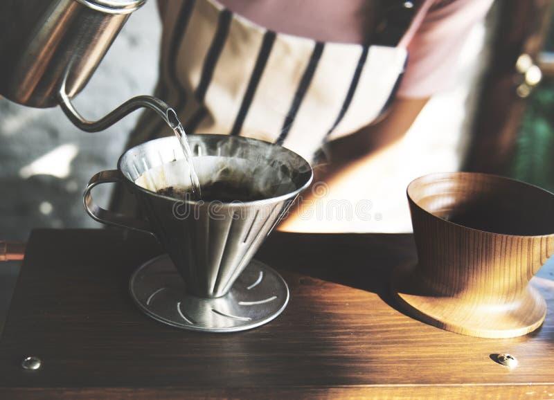 Apreciação bebendo do abrandamento do café da bebida imagens de stock royalty free