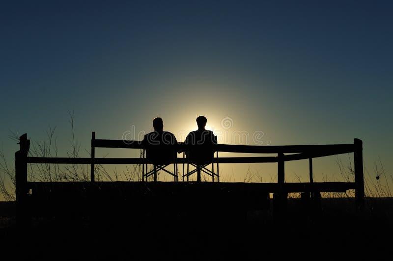 Apreciando o Sundowner (Namíbia) fotos de stock
