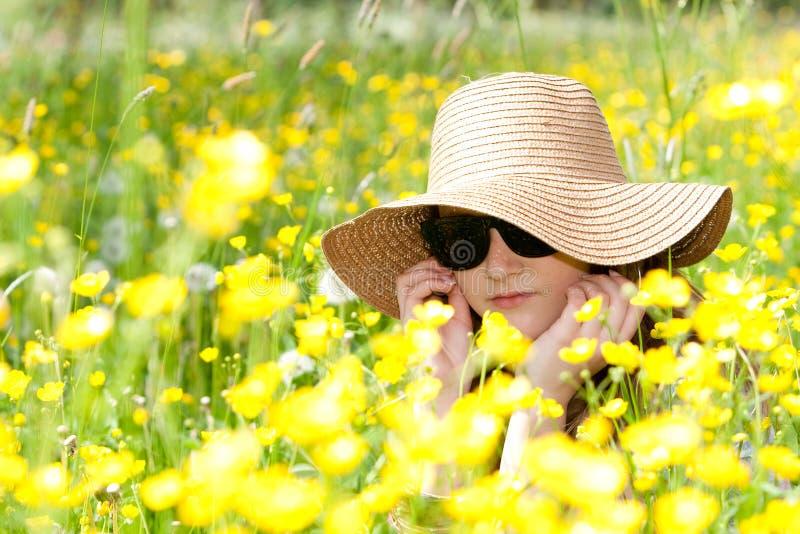 Apreciando os sentimentos do verão. fotografia de stock royalty free