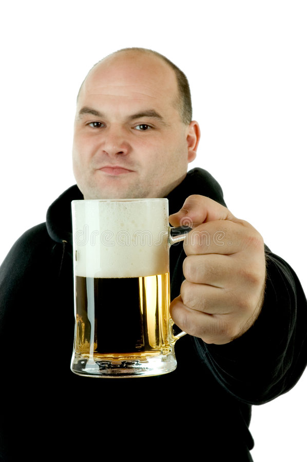 Apreciando uma cerveja foto de stock royalty free