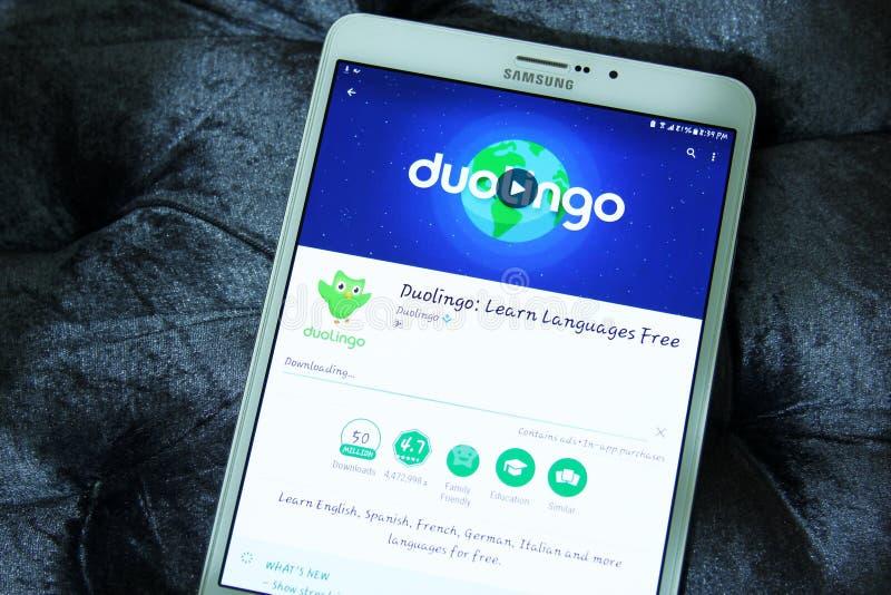 Aprendizado de línguas app de Duolingo fotos de stock