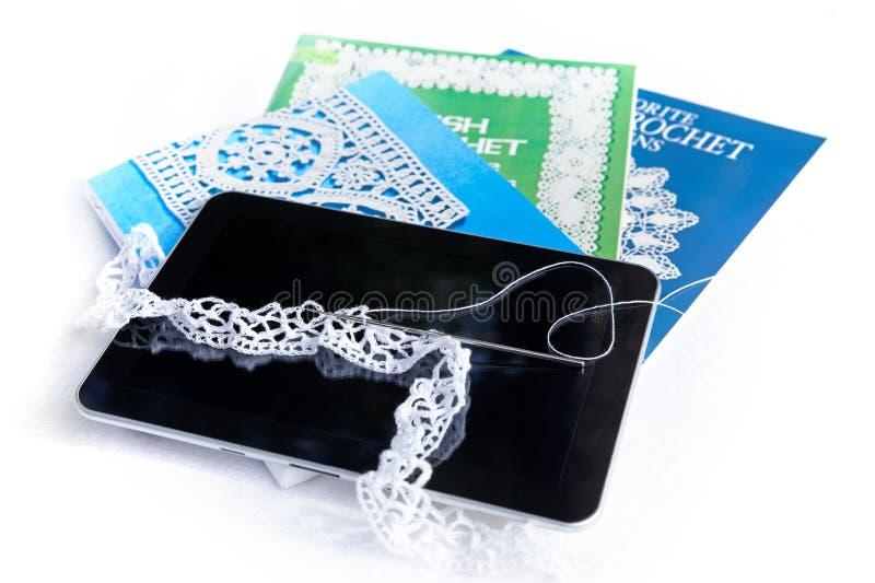Aprendizagem do Crochet foto de stock royalty free