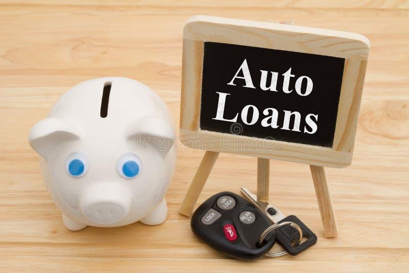 Aprendizagem sobre empréstimos automóveis com chaves do carro fotos de stock