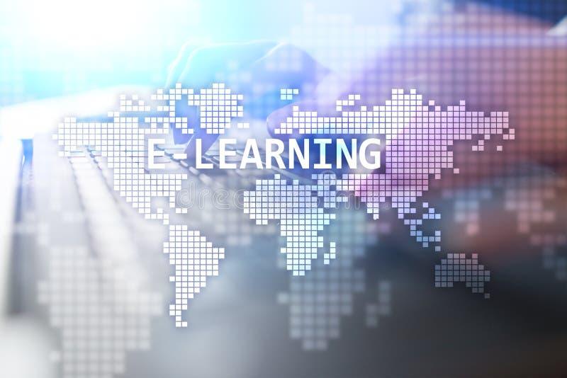 Aprendizaje electrónico, concepto en línea internacional de la educación Internet y tecnología fotografía de archivo libre de regalías