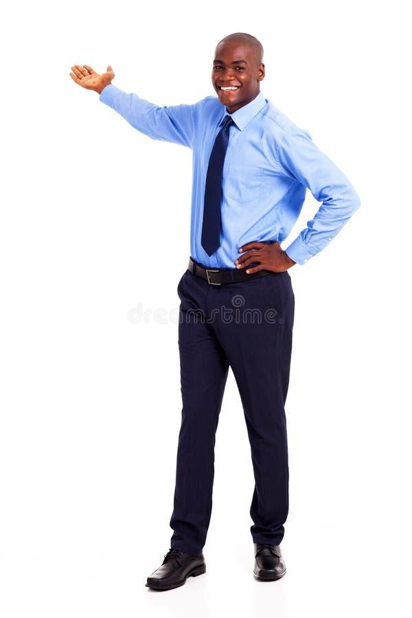 Apresentação africana do homem de negócios foto de stock royalty free