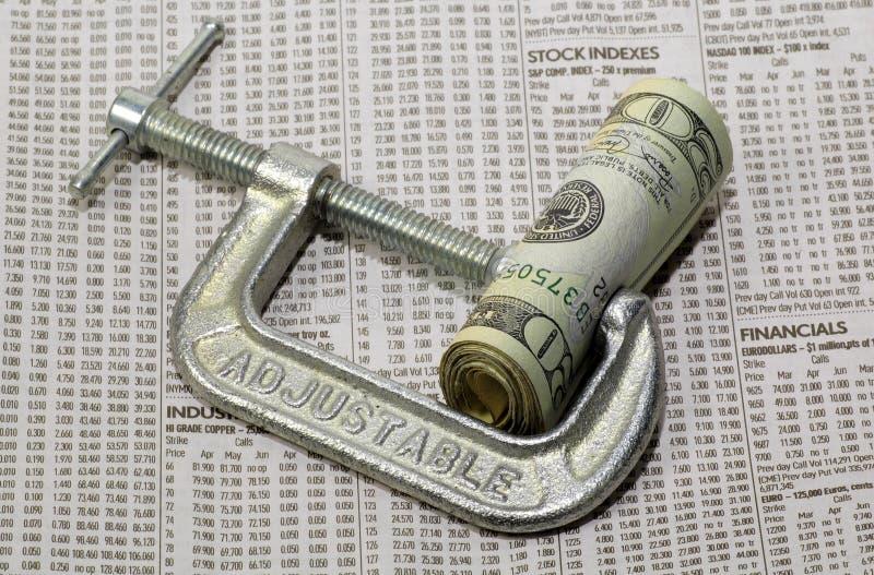 Apretón financiero fotografía de archivo libre de regalías
