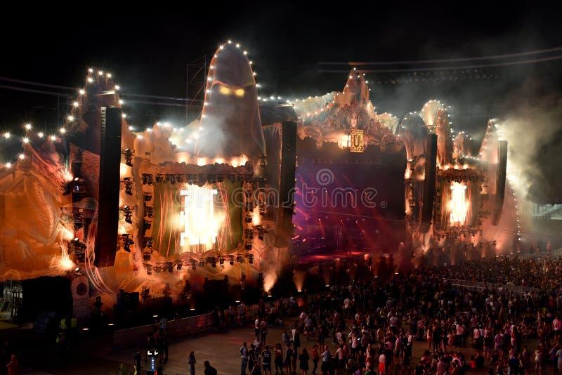 Apriete, los millares de gente en el festival de música imágenes de archivo libres de regalías