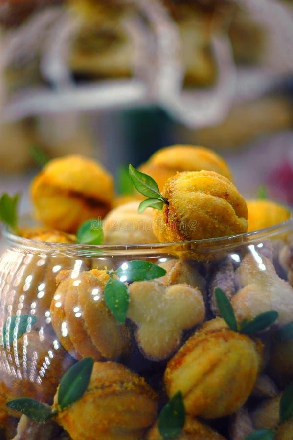 Aprikose, mit Blättern stockfoto
