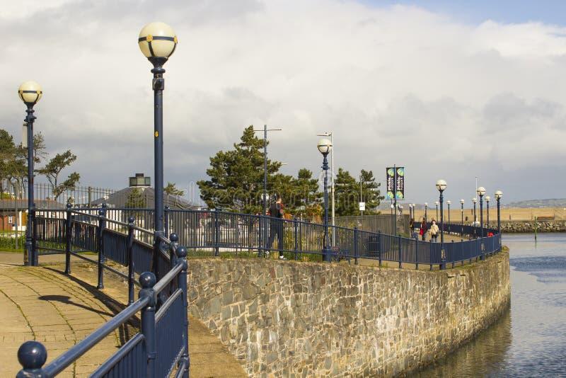 26. April 2018 der allgemeine Fußweg, der den überhaupt populären Bootfahrtjachthafen an Bangor-Grafschaft unten in Nordirland au lizenzfreie stockbilder