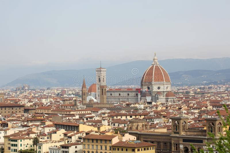 22 april 2019, Florence, Itali?: mening van de stad van Florence van Piazzale Michelangelo met exemplaarruimte voor uw tekst royalty-vrije stock foto's