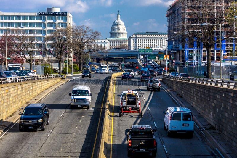 11 APRILE 2018 WASHINGTON D C - Vista elevata del Campidoglio del sud al Campidoglio degli Stati Uniti che va verso gli Stati Uni fotografia stock libera da diritti