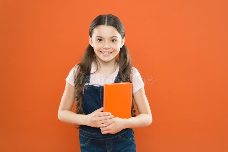 Apronte para a primeira lição setembro est? aqui De volta ? escola Livro da posse da criança Literatura interessante Desenvolvime foto de stock royalty free