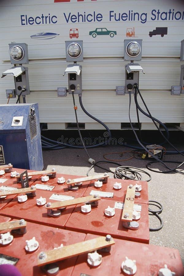 Aprovisionar de combustible la estación foto de archivo