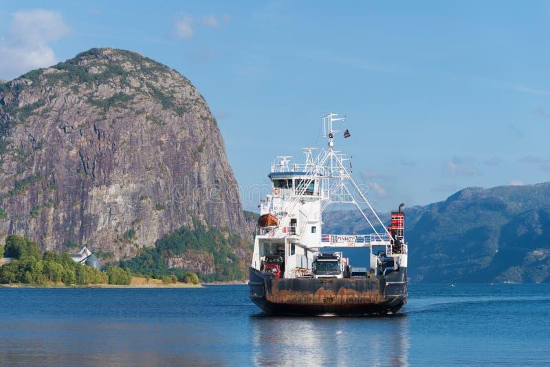Aproximação do ferryboat fotos de stock royalty free