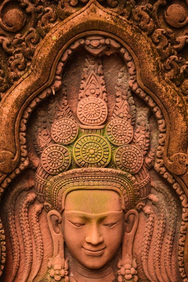 Apsara东南亚砂岩雕塑  免版税库存图片