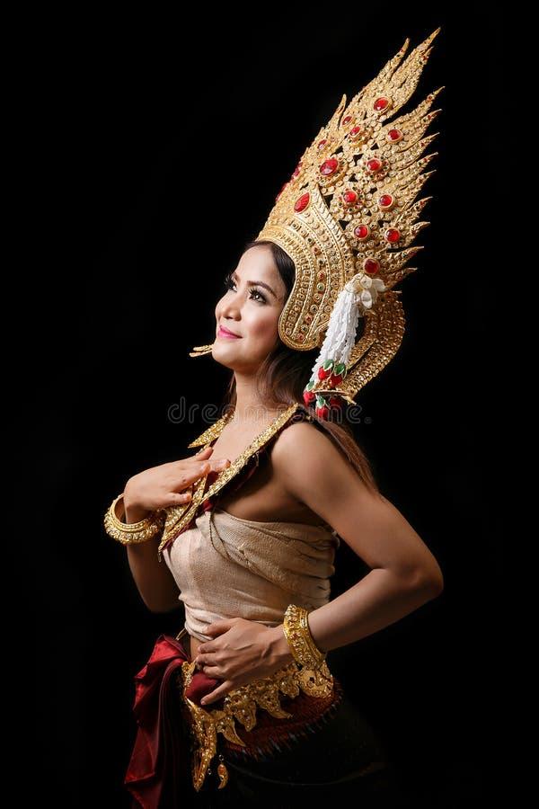 Download Apsara跳舞画象 库存图片. 图片 包括有 照明设备, 噪声, 艺术, 聚会所, 文明, 查找, 东方 - 72367343