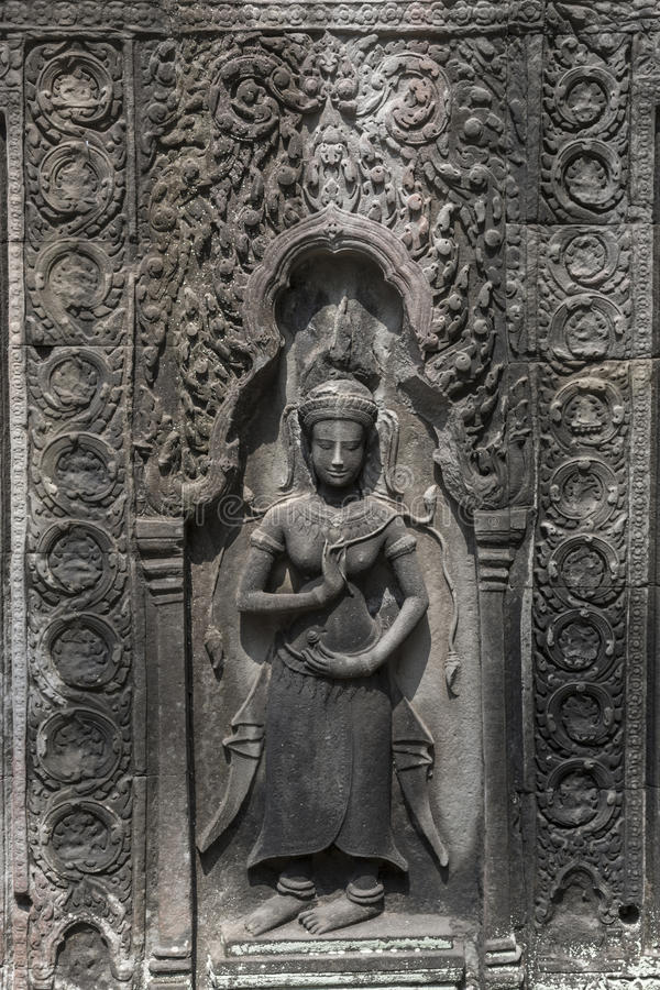 Free Apsara Carvings Status On The Wall Of Angkor Temple, World Herit Royalty Free Stock Photography - 58970387