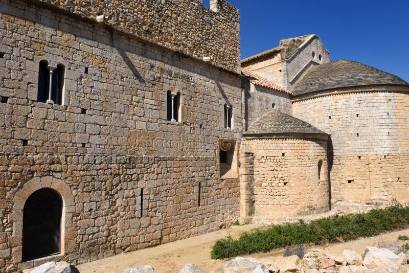 Apsydy i gotyka fasada monaster Vilabertran, Alt Empo zdjęcie stock