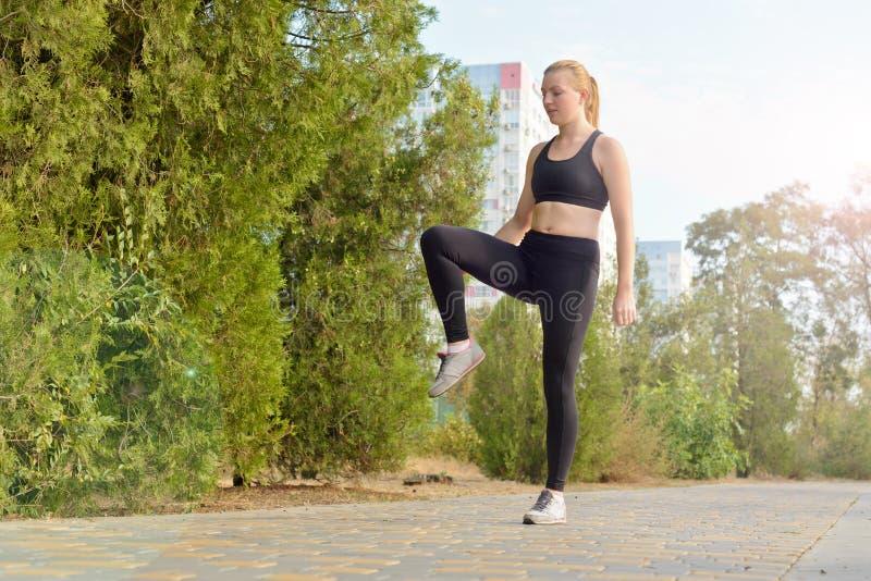 Aptidão exterior, forma, exercício, conceito da saúde fotos de stock