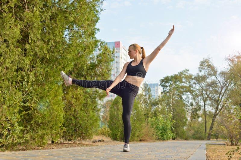 Aptidão exterior, forma, exercício, conceito da saúde imagens de stock royalty free