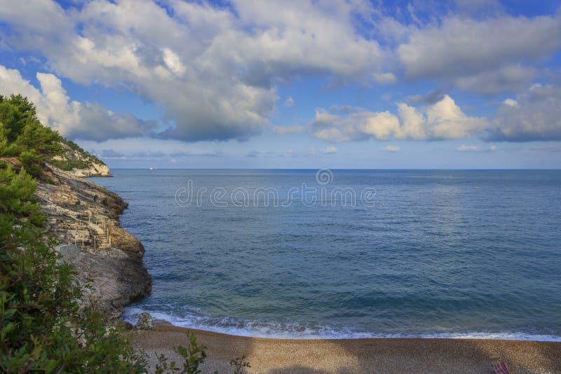 Download Apula Coast,Gargano National Park: Pungnochiuso Beach. Vieste,Italy. Stock Image - Image: 83713703