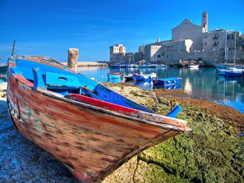 apuli giovinazzo横向端口旅游视图 免版税库存图片