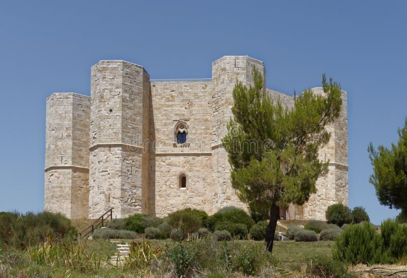 Apulia, Ιταλία: ιστορικό και διάσημο Castel del Monte στοκ φωτογραφία με δικαίωμα ελεύθερης χρήσης