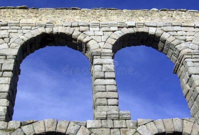 Aquädukt-Brücke von Segovia Spanien stockfotos