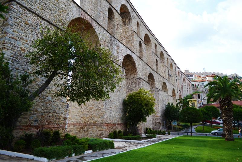 Aquaduct in Kavala royalty-vrije stock afbeelding