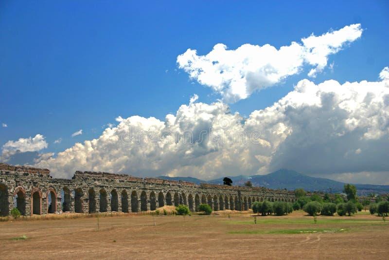 Aquaduct romano fotografía de archivo