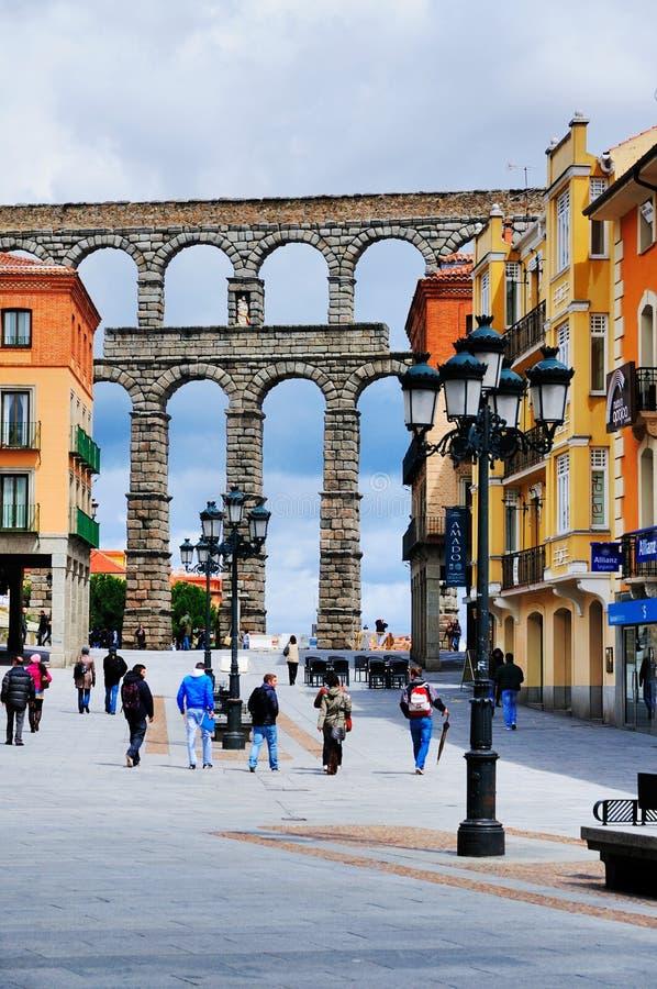 Aquaduct romano antiguo en Segovia, España fotos de archivo