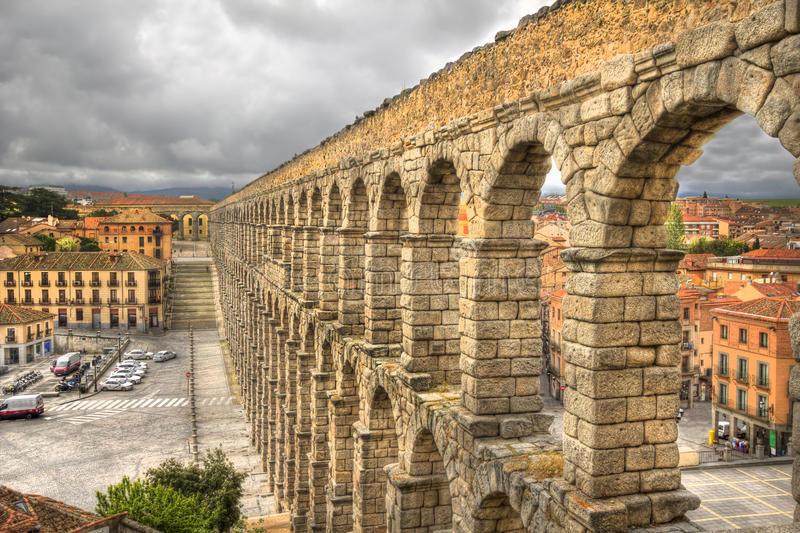 Aquaduct romano en Segovia, España foto de archivo
