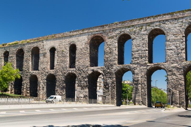 Aquaduct van Valens in Istanboel, Turkije stock afbeelding