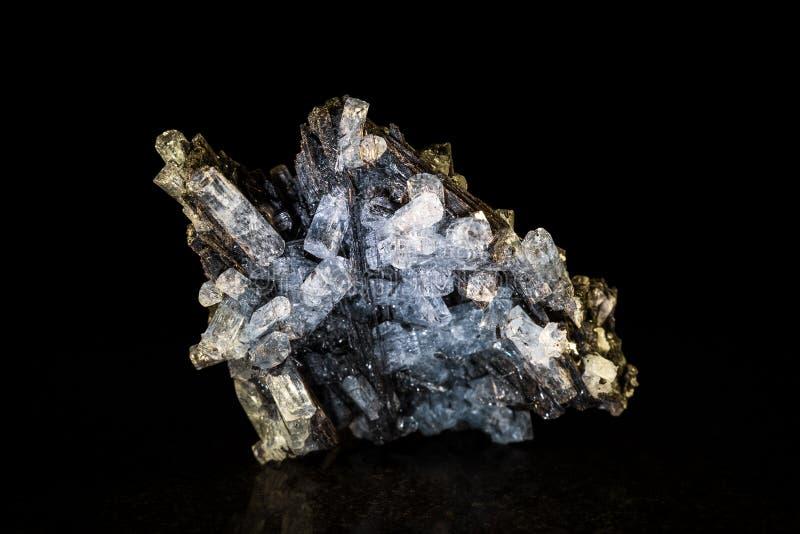 Aquamarijnkristal en zwarte tourmaline royalty-vrije stock afbeeldingen
