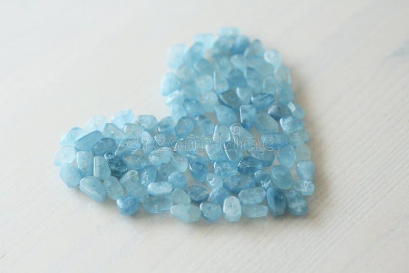 Aquamarin ist blau Blaues Inneres Naturstein ist blauer Aquamarin stockfotografie