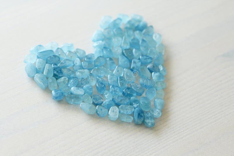 Aquamarin ist blau Blaues Inneres Naturstein ist blauer Aquamarin lizenzfreies stockfoto