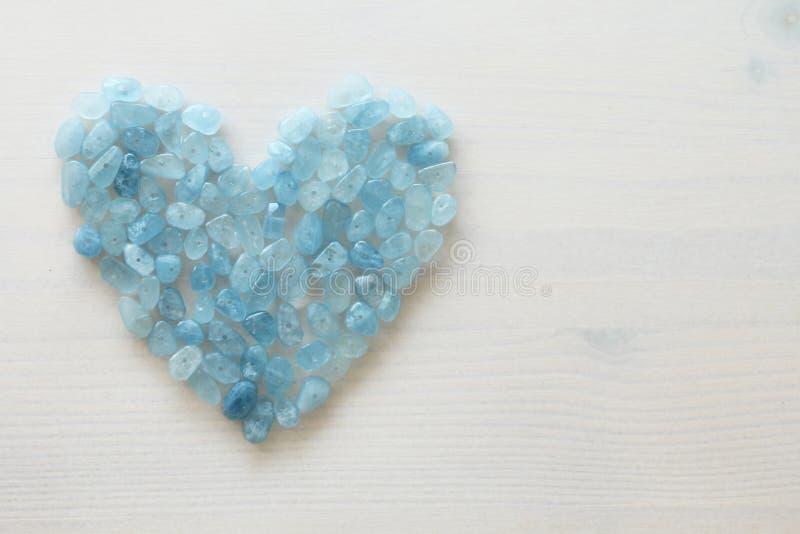 Aquamarin ist blau Blaues Inneres Naturstein ist blauer Aquamarin lizenzfreie stockbilder