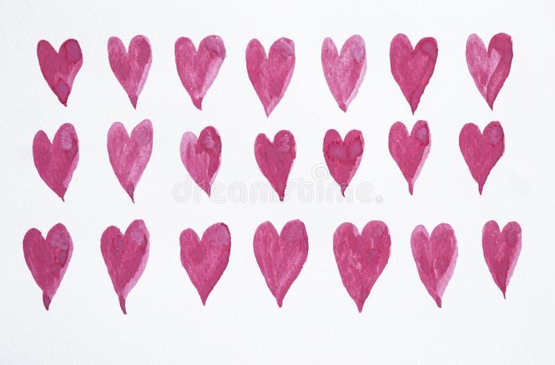 Aquarellfarbe rosarot wenig Herzen auf Weißbuchbeschaffenheitshintergrund lizenzfreies stockbild