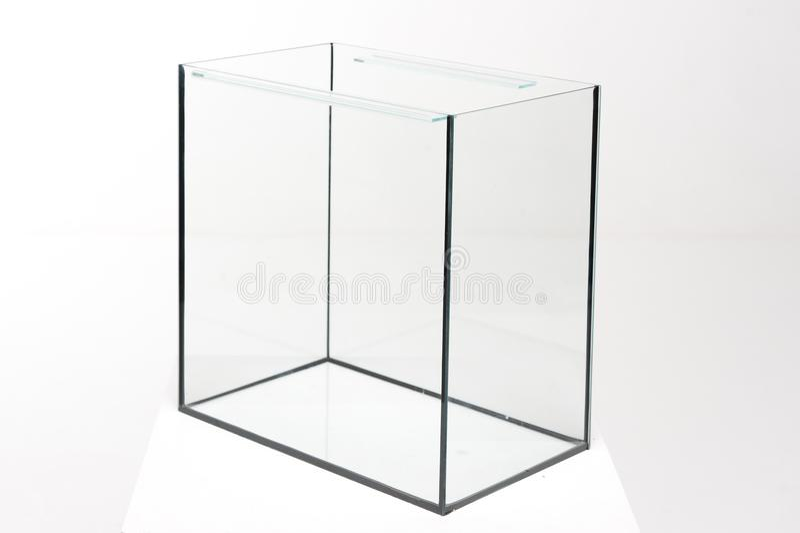 Aquariumglas, rechteckig auf einem weißen Hintergrund stockfotos