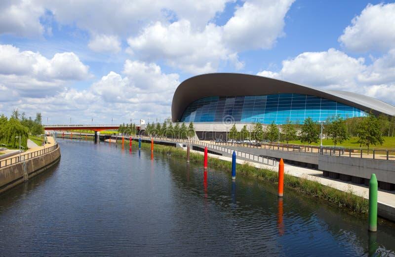 Aquatics Centre w królowej Elizabeth Olimpijskim parku w Londo obrazy royalty free