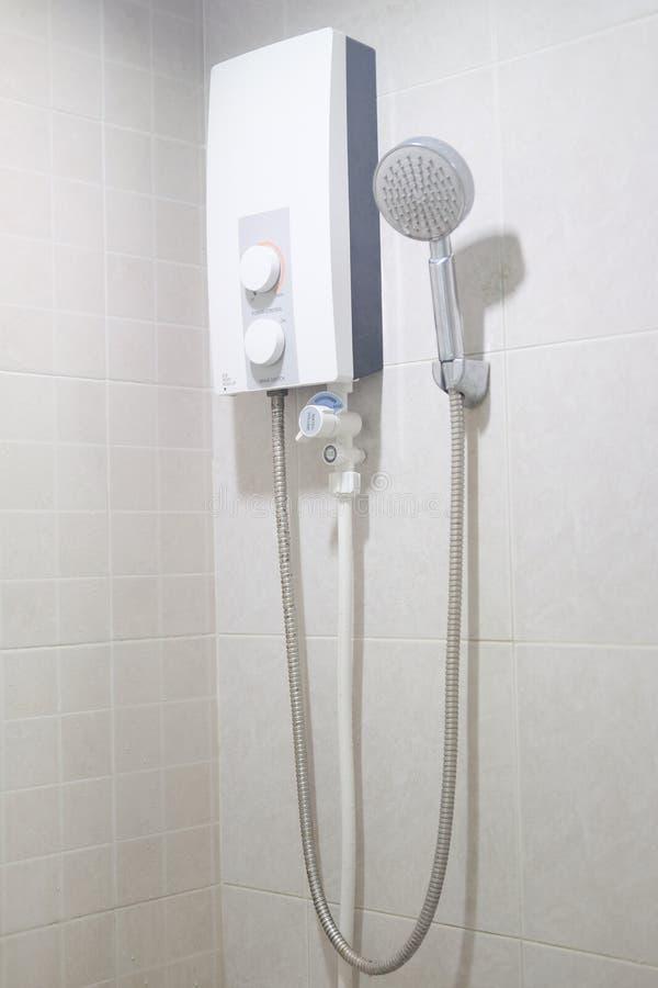 Aquecedor de água e mercadorias sanitários do showwer imagem de stock royalty free
