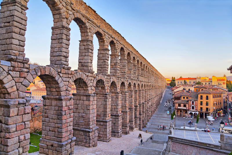Aquedotto romano antico a Segovia, Spagna immagine stock libera da diritti