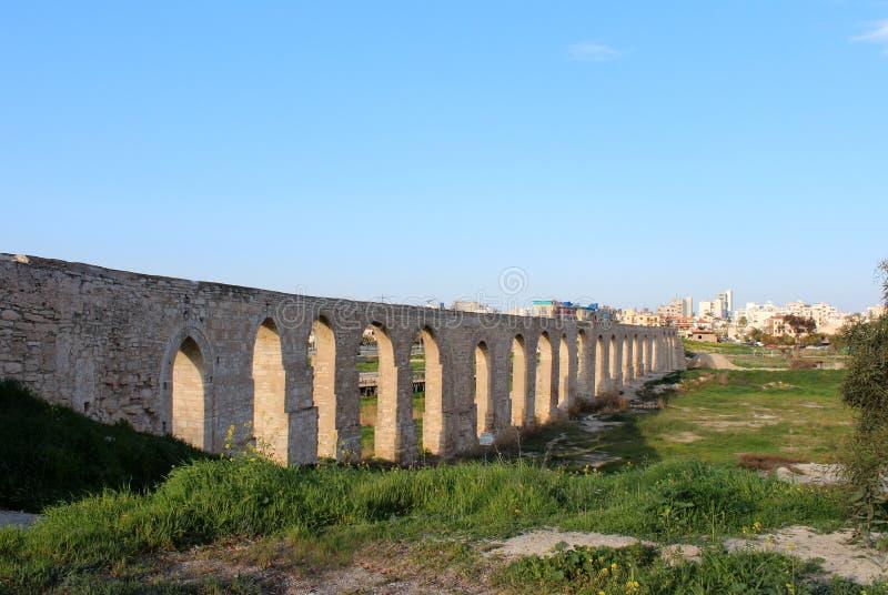 Aqueduc de Kamares à Larnaca, Chypre photographie stock