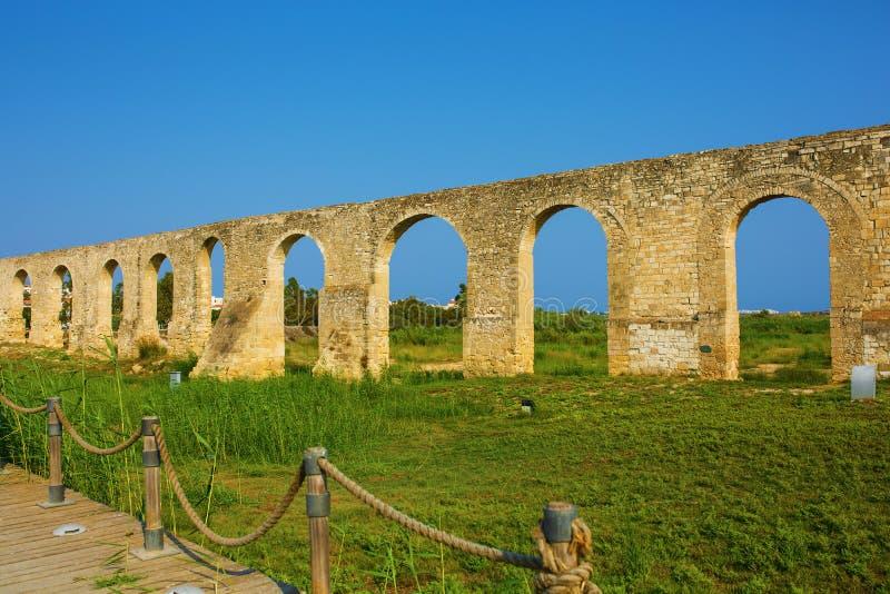 Aqueduc de Kamares de tabouret photo libre de droits